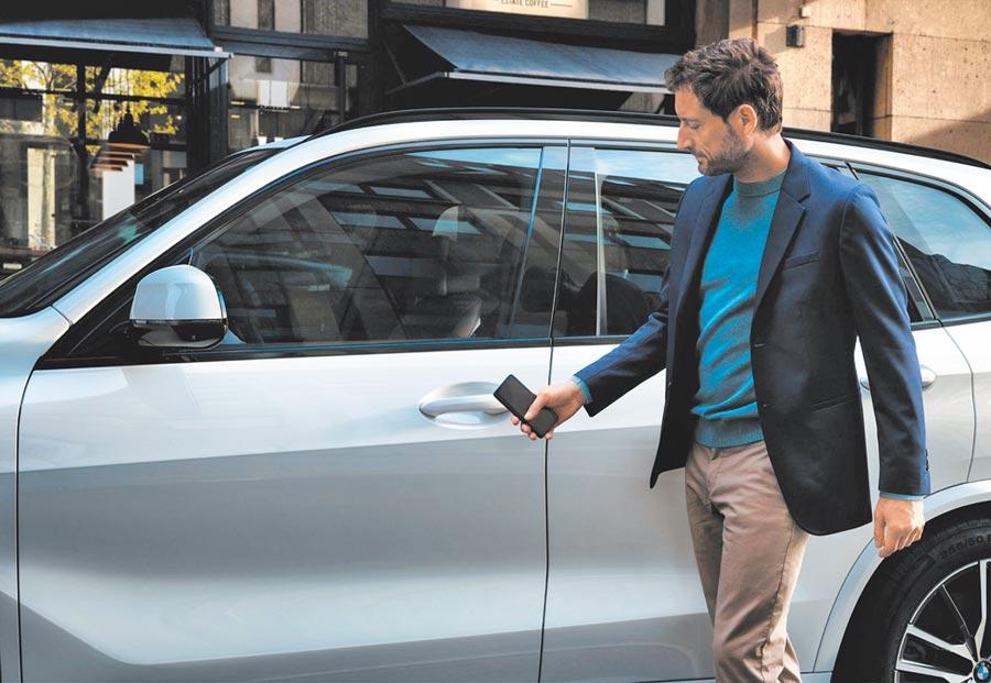 在車聯網的架構之下,車輛躍升成為一個溝通單位,現階段車與駕駛人、車與車商的溝通範圍,已經開啟了新的時代。圖/陳慶琪