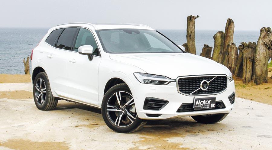 Volvo打破以往在T8車型只會搭配Inscription套件的慣例,改採用運動化R-Design套件開創新格局,因此,XC60 T8 R-Design變成了首款潮流之作。圖/陳慶琪