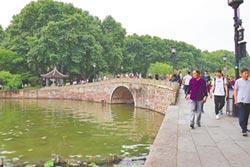 漫步杭州西湖撞見民國