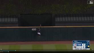 MLB》外野手打排球 「助攻」小葛瑞洛開轟