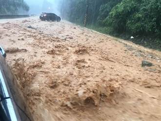 不斷更新》雨神肆虐南投驚見黃河 暨大生受困求救