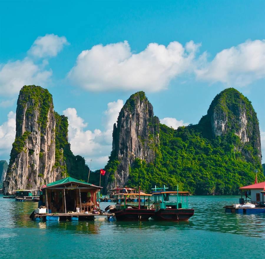 越南下龍灣美景被聯合國教科文組織列為世界自然景觀文化資產。(達志影像/shutterstock提供)