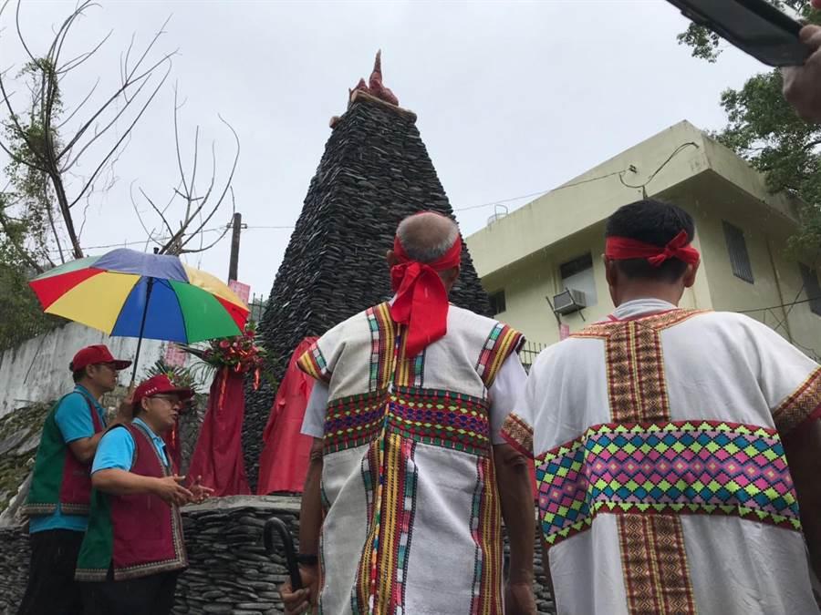 卓溪鄉公所在卓樂部落設立卓樂屠殺事件」紀念碑,紀念這段將被遺忘的歷史。(張祈翻攝)