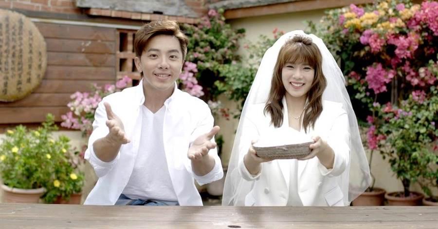 坤達(左)和林思宇拍婚禮戲。三立提供