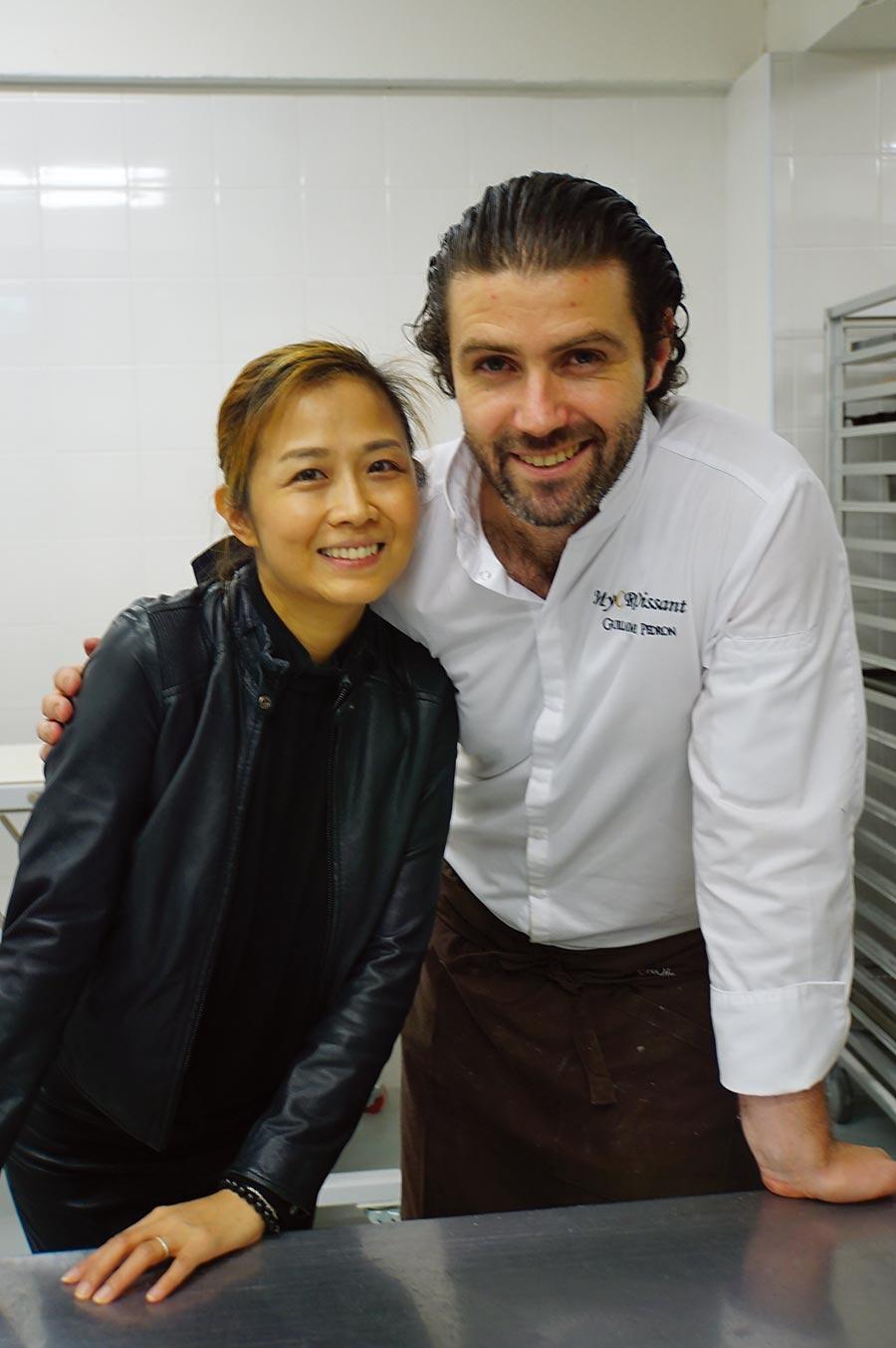 吉雍‧佩登(Guillaume Pedron)擔任〈Lalos Bakery Taipei〉行政主廚時結識Ellie周宥卉,兩人戀愛、結婚,並有一對雙胞胎女兒。圖/姚舜