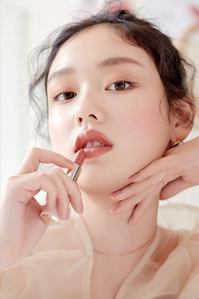 口紅經濟再度來襲,有彩妝品牌一口氣推出60色,透過檢測選出命定口紅。圖/ETUDE HOUSE