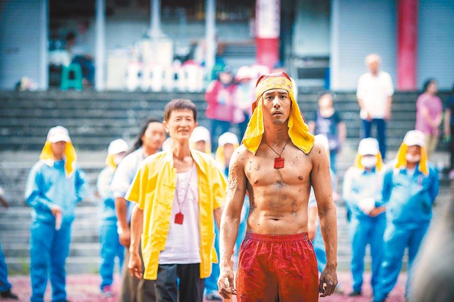 《寒單》入圍11項,胡宇威(右)在片中一改高富帥形象,可惜還是沒能入圍。