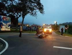 金門公車與機車相撞  1現役軍人傷重不治