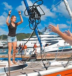 蘿拉 完成最年輕環球獨航
