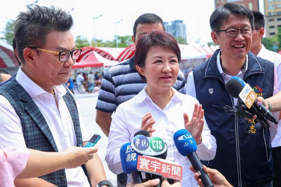 台中市沙鹿區茶藝館昨天發生槍擊案。市長盧秀燕今天受訪時說:這是不能容許的治安事件,警方正全力追緝中。(陳世宗攝)