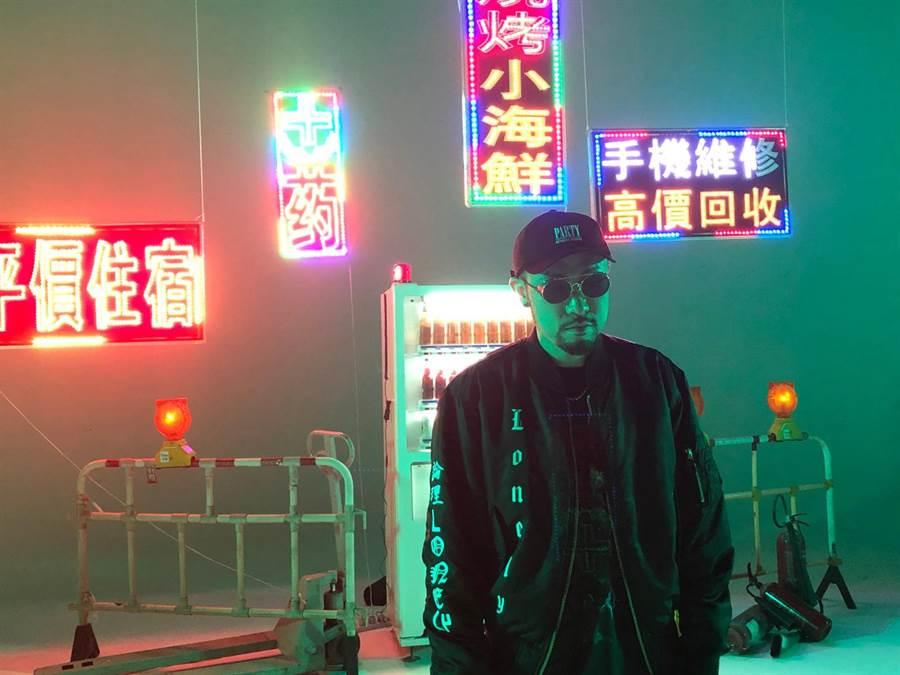 饒舌教父熱狗推出新歌〈嘻哈沒有派對〉MV。本色提供