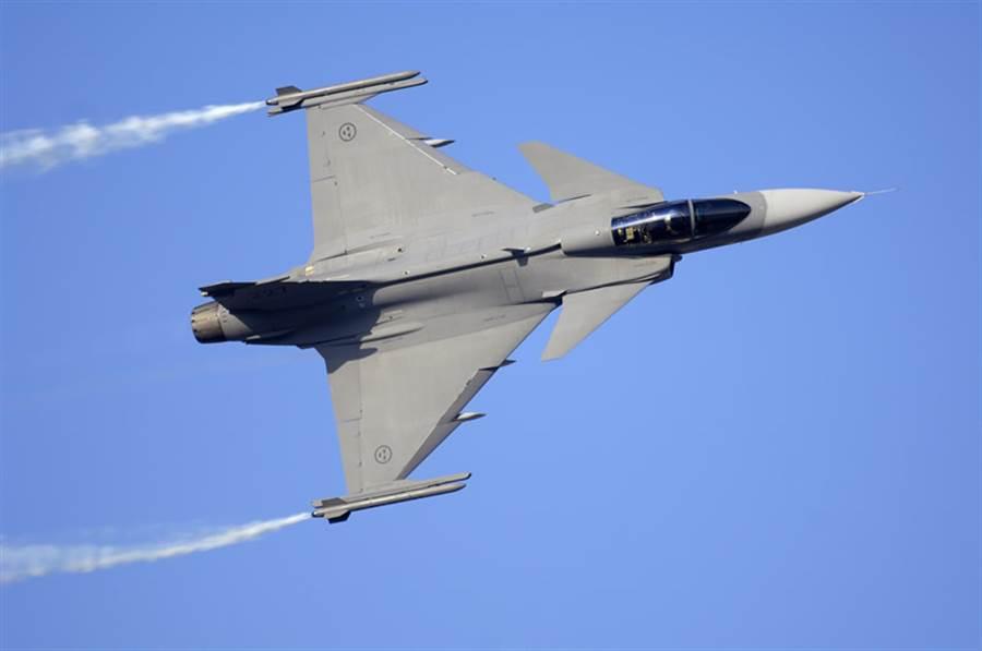 如果保加利亞拒絕F-16,可能會改購瑞典JAS-39。(圖/SAAB)