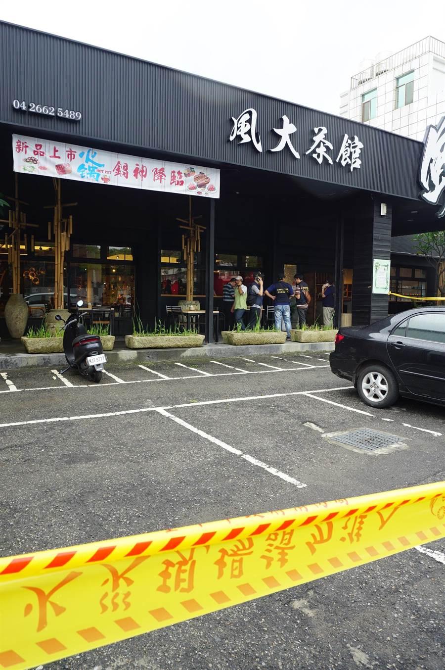 台中沙鹿風大茶館發生槍殺案,手無寸鐵的死男,遭2名持槍凶嫌追殺身亡。(王文吉攝)