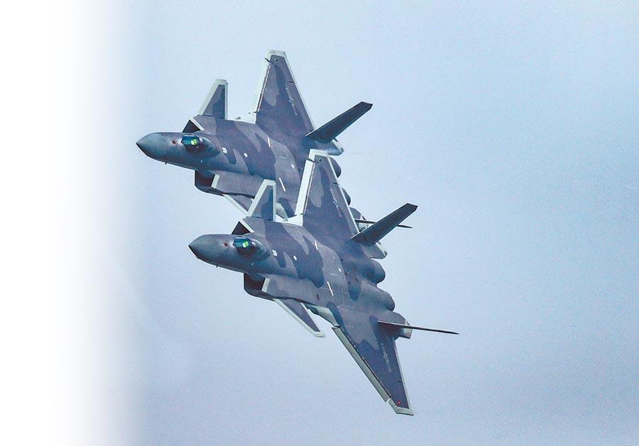 大陸殲-20戰機有望在2019年結束前就裝備服役50架。(取自中國軍網)