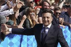 澤倫斯基就職烏克蘭新總統 立即解散國會