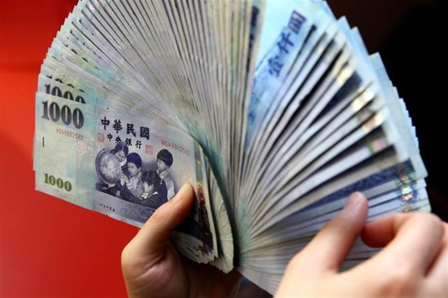 台幣再創28個月新低。(本報系資料照片)