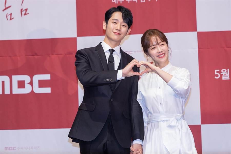 韓志旼稱讚丁海寅紳士且有領導者風範,並沒有感受到年齡的差異。Netflix提供