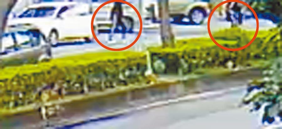 台中茶藝館槍擊案發生後,監視器拍到凶嫌步出茶藝館的影像。(王文吉翻攝)