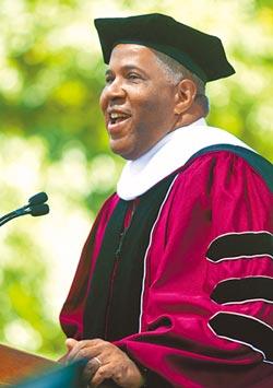 美黑人首富慨捐12.7億 幫學生清償學貸