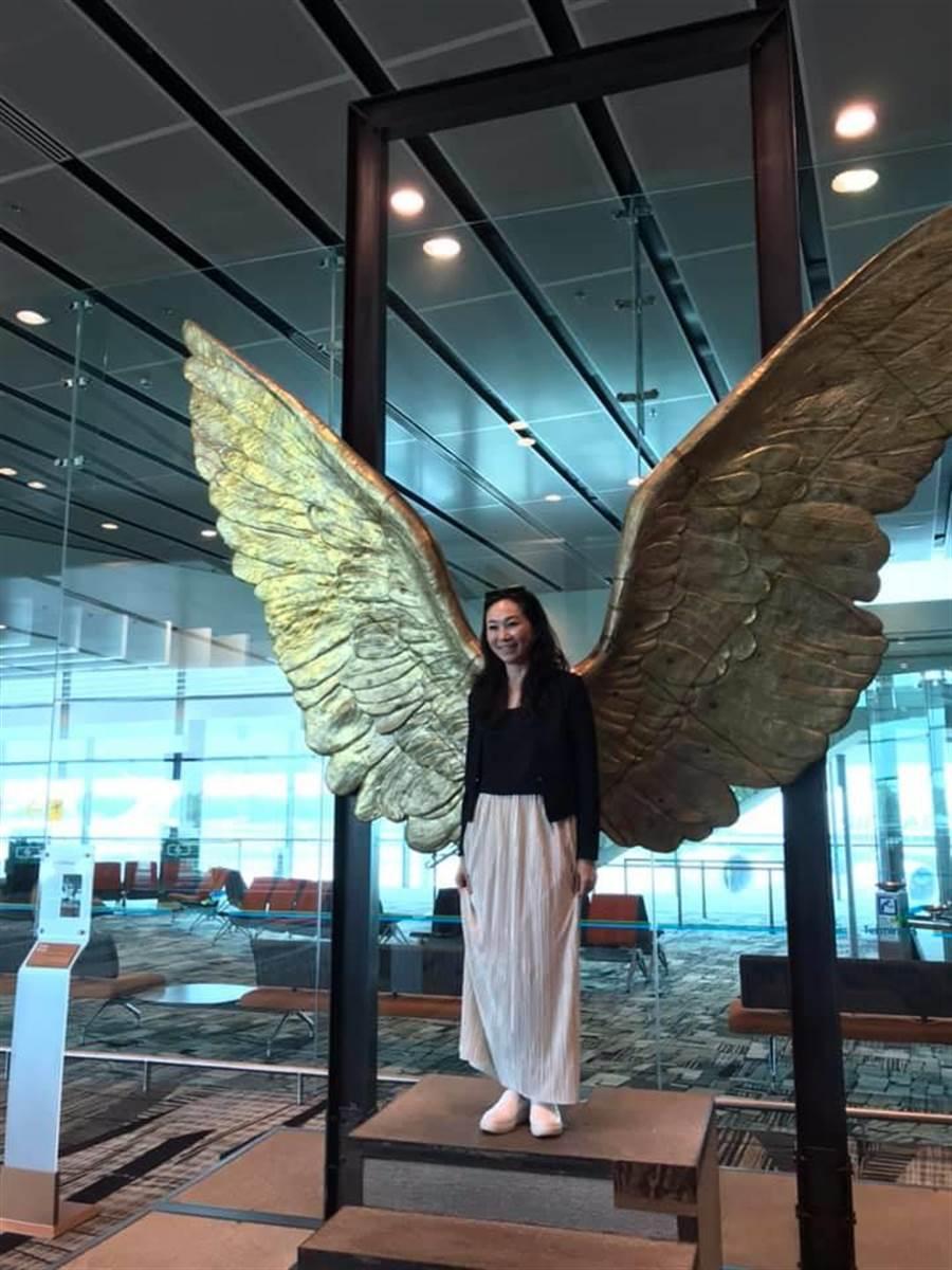 高雄市長韓國瑜妻子李佳芬低調行善,探視腦麻病友,獲得網友讚賞。(擷取自陳麗娜臉書)
