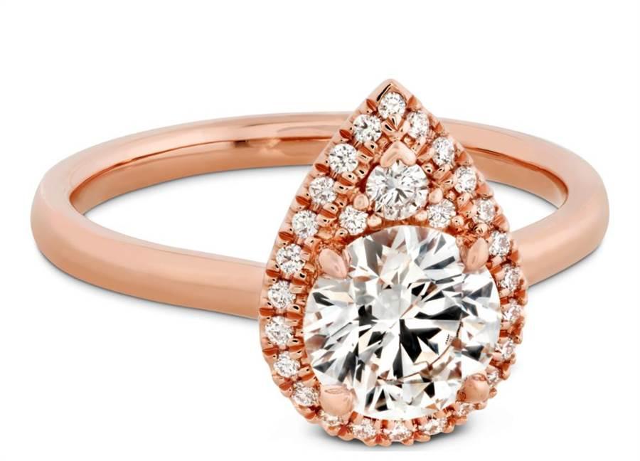 HEARTS ON FIRE今年新登场JULIETTE PEAR戒指,66万元起。(HOF提供)
