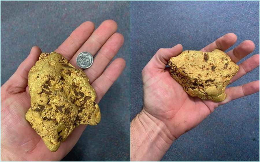 僅菸盒大小的金塊,竟重達1.4公斤。(照片來源:Finders Keepers Gold Prospecting臉書)