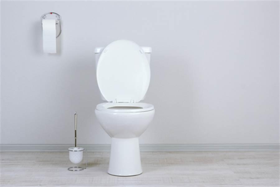 便秘蹲厕所 出来竟丧失10年记忆(图片取自/达志影像)
