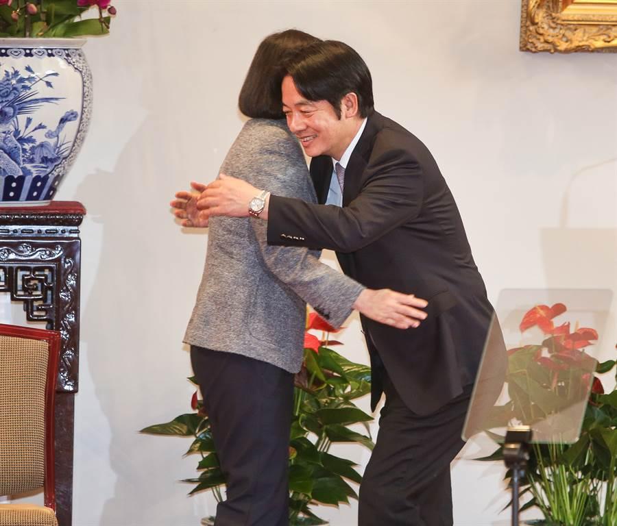 總統蔡英文(左)、前行政院長賴清德(右)。(中時資料照)