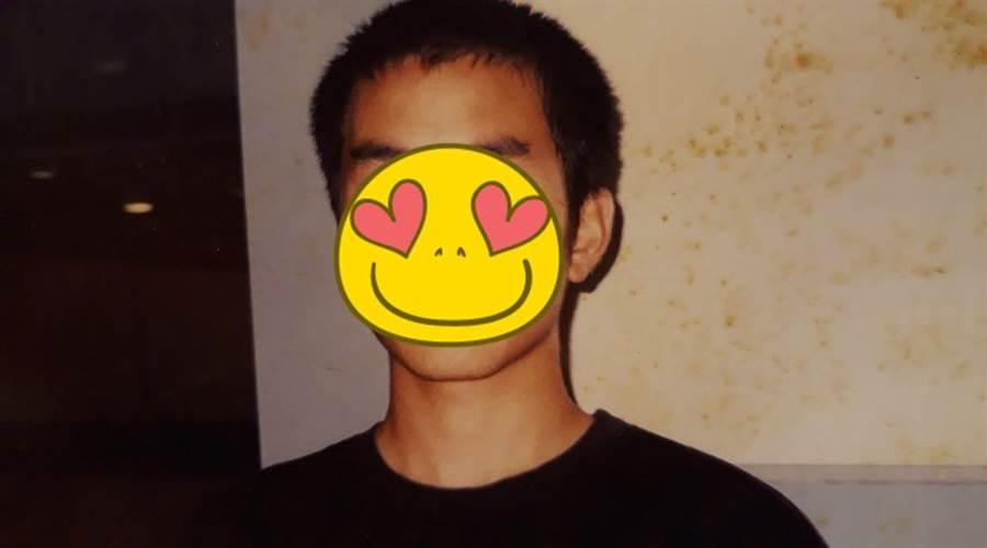 導演易智言在臉書上公開張孝全17歲時的照片,當時他發現了他並帶他進入演藝圈。(圖/翻攝自易智言臉書)