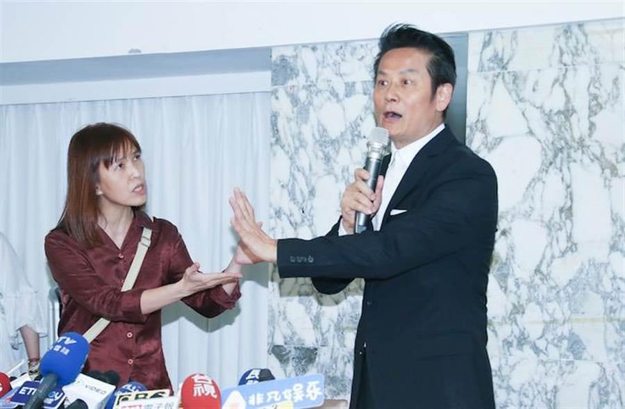曹女(左)。羅永銘攝