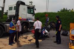 大貨車右轉卸貨 騎士被撞傷重不治