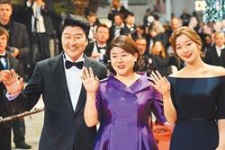 《寄生上流》韓式題材獲滿堂彩