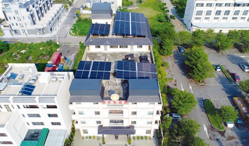天晴能源建置的太陽光電系統,讓屋頂變綠能電廠。圖/天晴能源提供