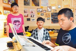 唱出自信 吳承嶸獲總統教育獎