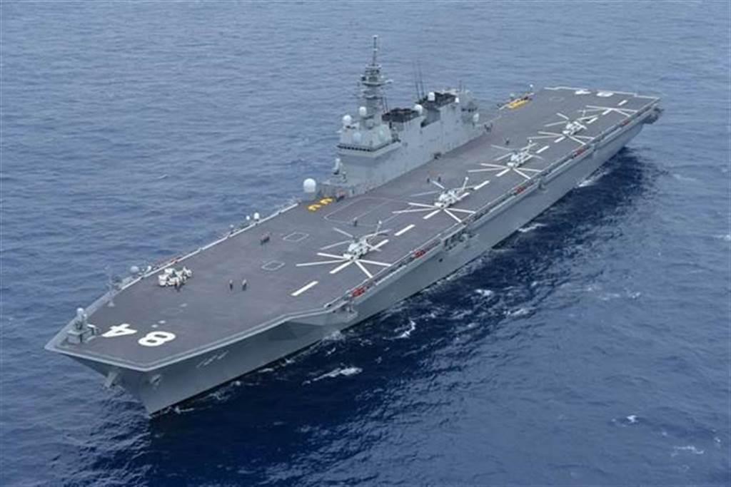 日本出雲級護衛艦「加賀」號(見圖)的資料照。(日本海上自衛隊)