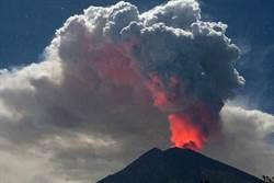 峇里島阿貢火山再噴發 航班取消