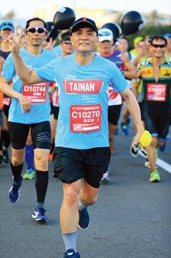 名人養生-一年5,000公里! 台灣連鎖加盟促進協會理事長李日東:跑步讓人上癮
