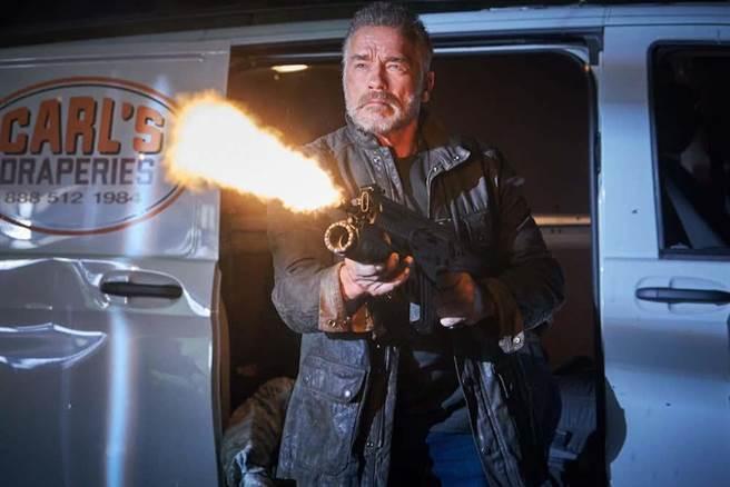 《魔鬼終結者:黑暗宿命》找回阿諾史瓦辛格回歸演出。(福斯提供)
