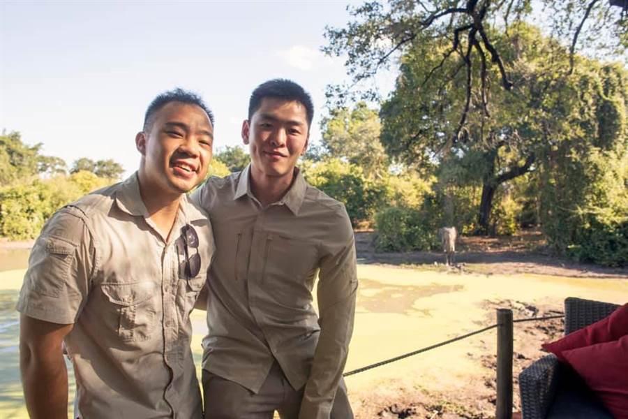 李光耀之孫李李桓武與男友Yirui Heng在南非結婚。(圖/李桓武臉書)