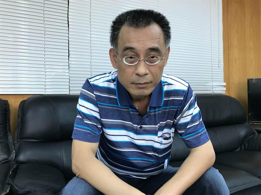 韓國瑜親信黃文財受訪表示,外傳韓到女子家過夜,其實那是他介紹給韓國瑜認識的朋友,還有其他友人不時會約在王女家打麻將、泡茶。(林宏聰攝)