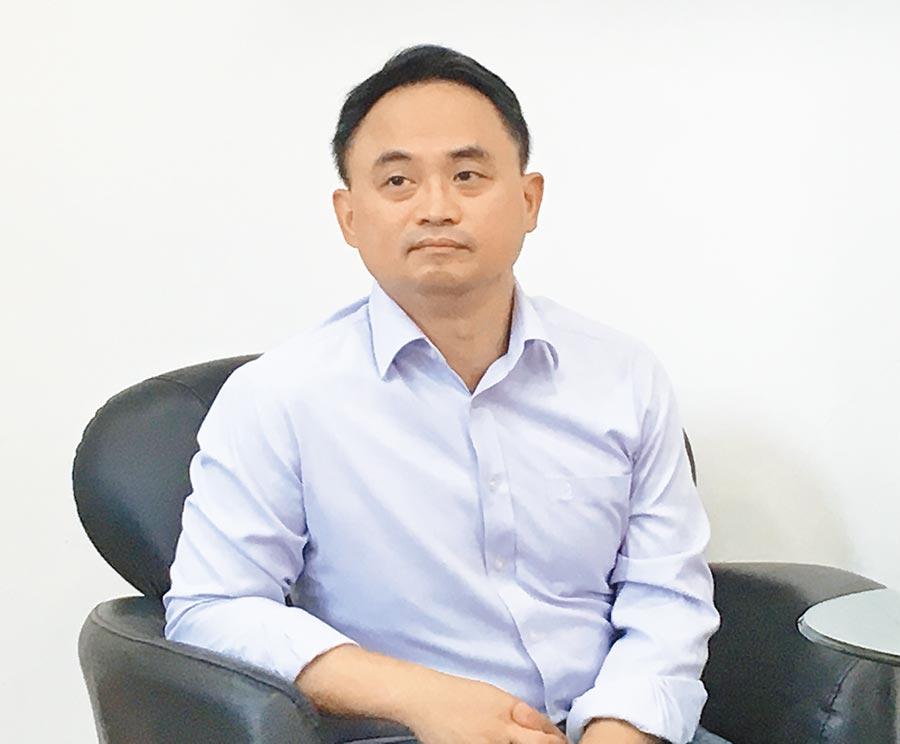 國民黨文傳會副主委林江釧關心沿海水患問題及地方的發展。(廖素慧攝)