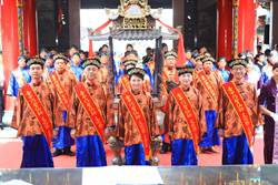 巧聖仙師2526周年誕辰 盧秀燕為首位女總主祭官
