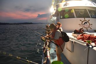 青春山海線新遊程 到深澳夜釣賞水舞