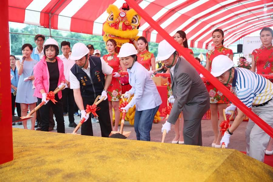 盧秀燕出席大里區草湖防災公園動土典禮,強調會當「開工市長」,務實建設台中。(陳淑芬攝)