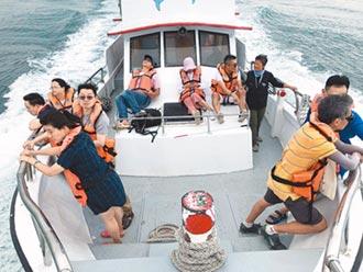 黑暗水手出海聽鯨 200海豚伴遊