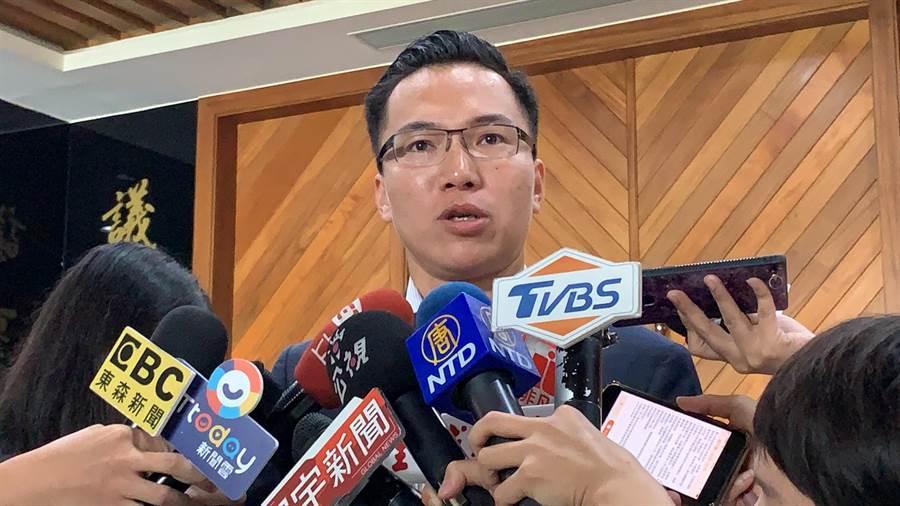 高市議員林智鴻批韓國瑜企圖轉移桃色風波焦點。(柯宗緯攝)