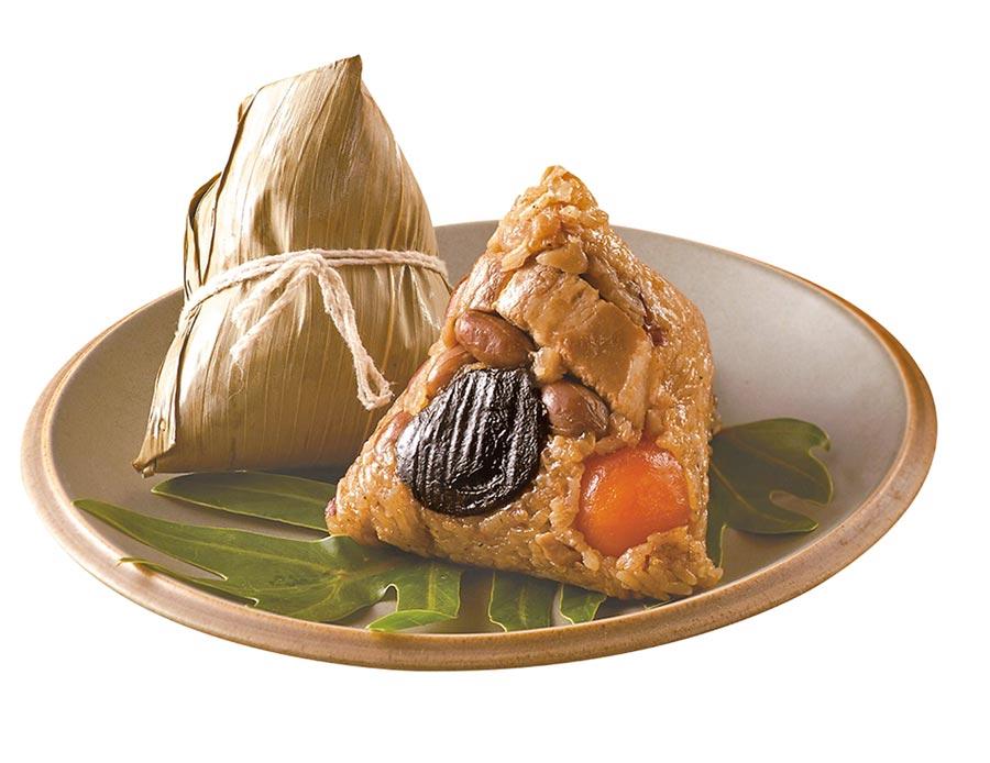 7-11目前以傳統北部粽最為熱銷,銷量占整體超過7成,其中「呷七碗道地傳統肉粽」熱賣超過6000組,4入265元、6入379元。(7-11提供)