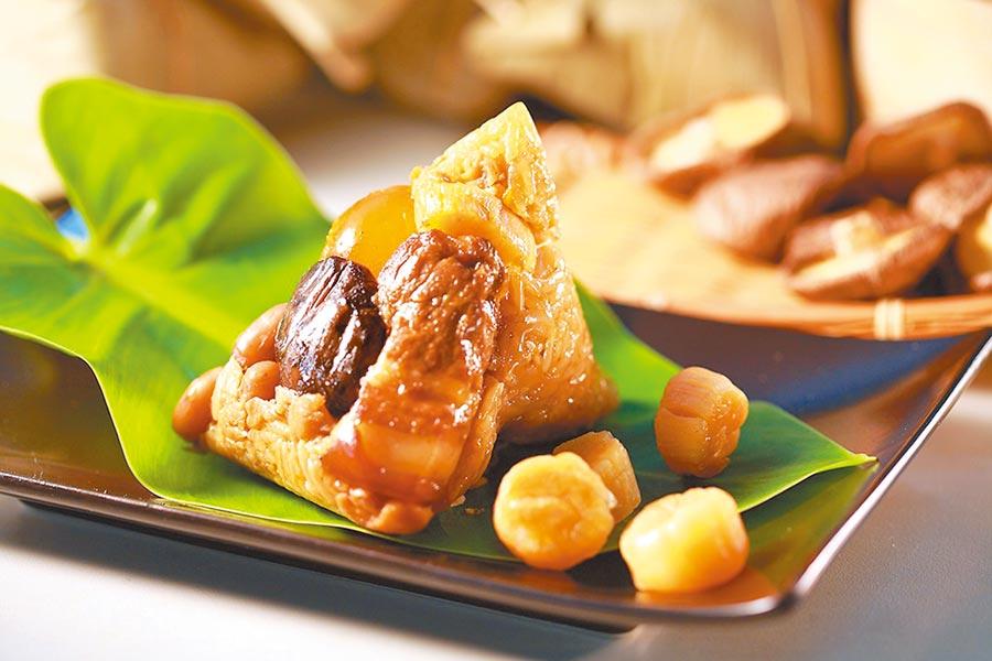 萊爾富狀元油飯頂級干貝肉粽,6入465元。(萊爾富提供)