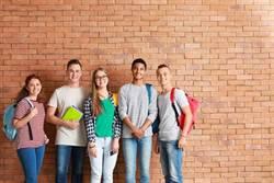 台學子到菲律賓遊學進修英文成首選  善用旅平險讓海外行安心