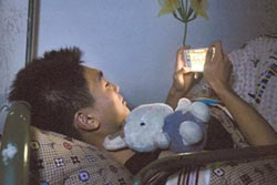 青少年手機中毒 陸推網癮剋星